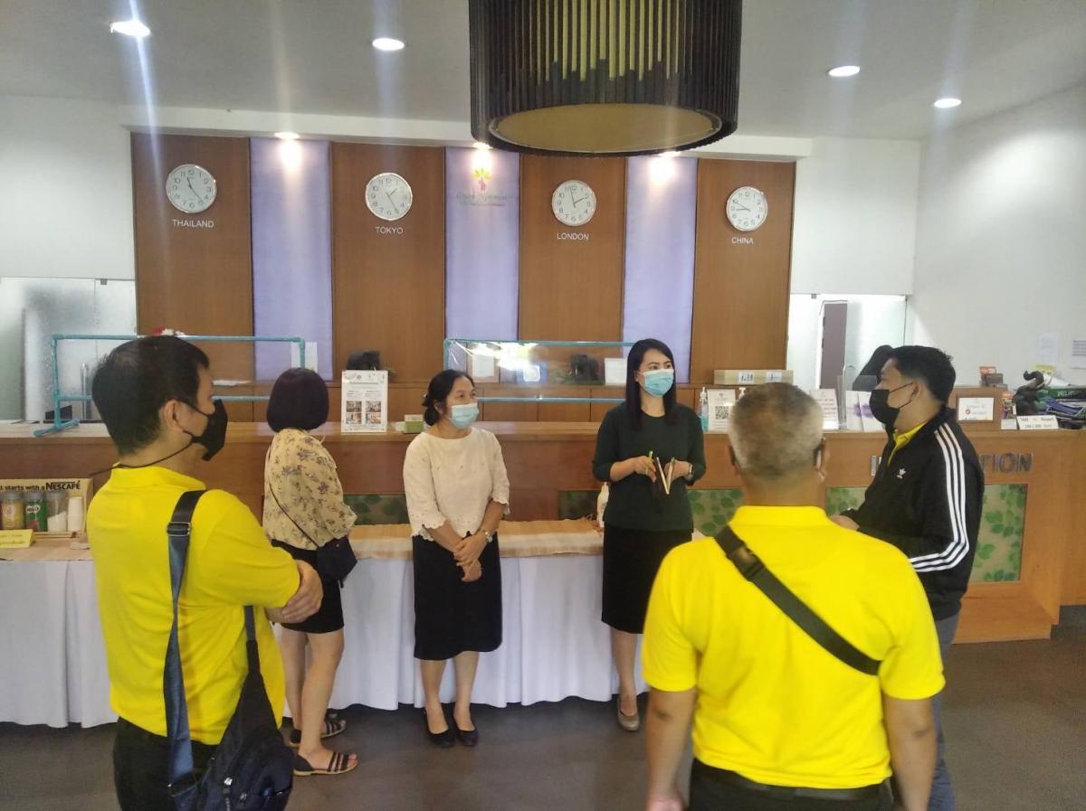 ต้อนรับผู้แทนจากมูลนิธิอาสาเพื่อนพึ่ง(ภาฯ)ยามยาก สภากาชาดไทยเข้าเยี่ยมชมห้องพักและห้องประชุม