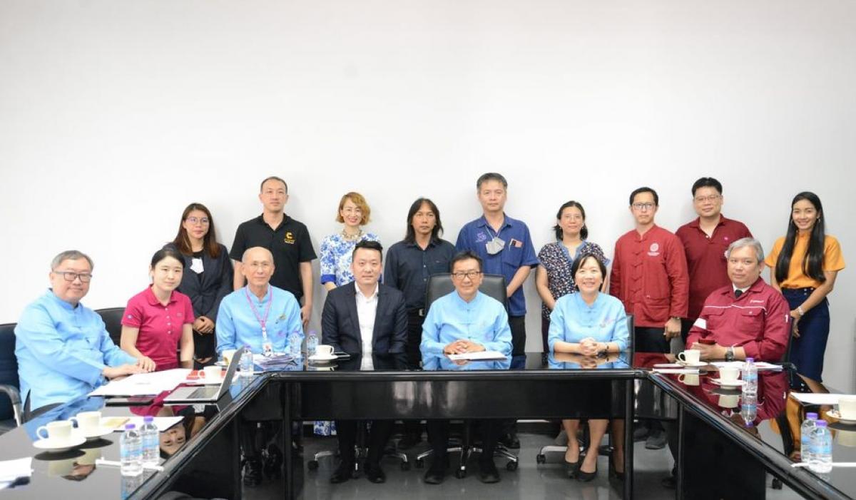 คณะผู้บริหารมหาวิทยาลัยเชียงใหม่ ต้อนรับ นายกั๋วเสียง จ้าว ผู้อำนวยการศูนย์บริการการสอบภาษาจีนแห่งอาเซียน (ประเทศไทย)