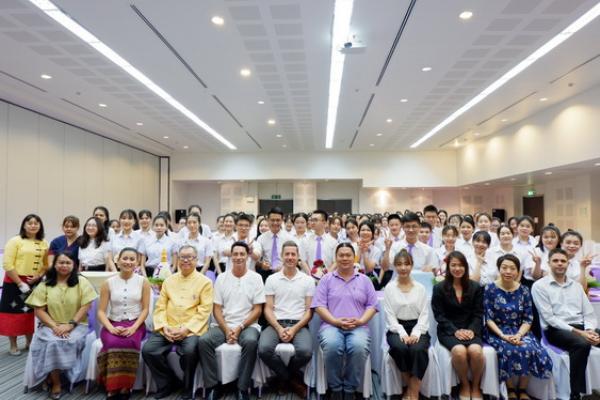 พิธีไหว้ครูสำหรับนักศึกษาแลกเปลี่ยนจากประเทศสาธารณรัฐประชาชนจีน